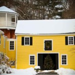 xmas-yellow-house-2